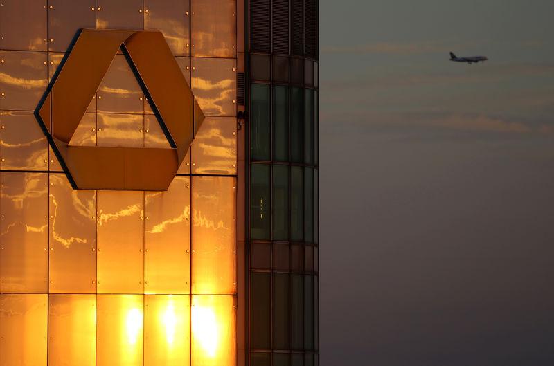 European Stocks Higher; Commerzbank Posts Q2 Loss