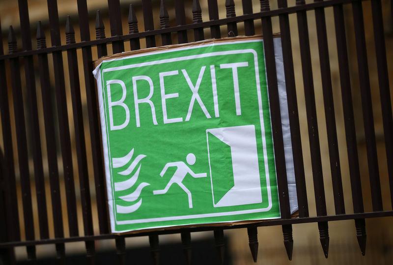 Главные новости: IPO Airbnb, безработица и Brexit