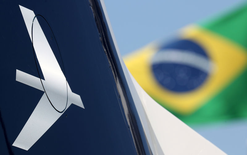 Embraer avança quase 3% com AGE aprovando operação com a Boeing