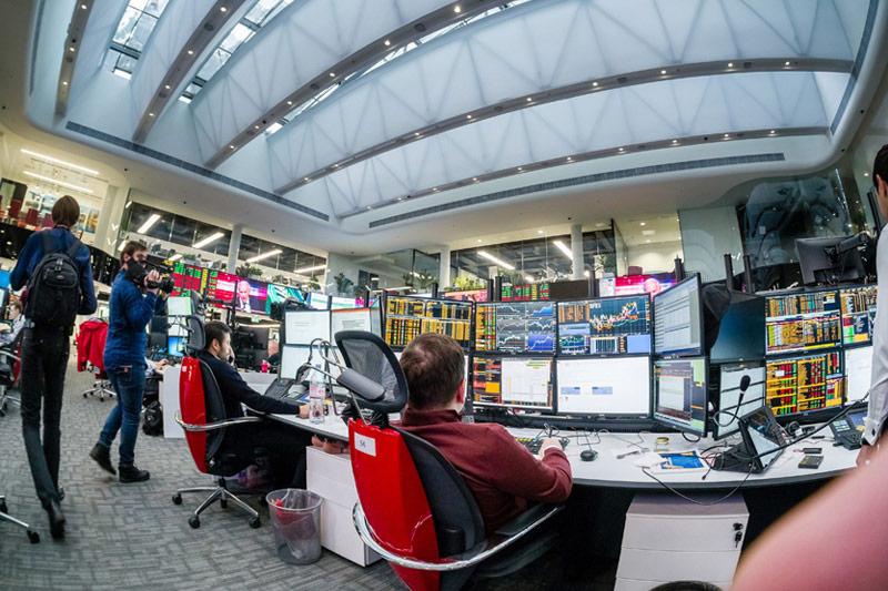 Рынок акций  РФ закрылся ростом, Индекс МосБиржи прибавил 0,92%