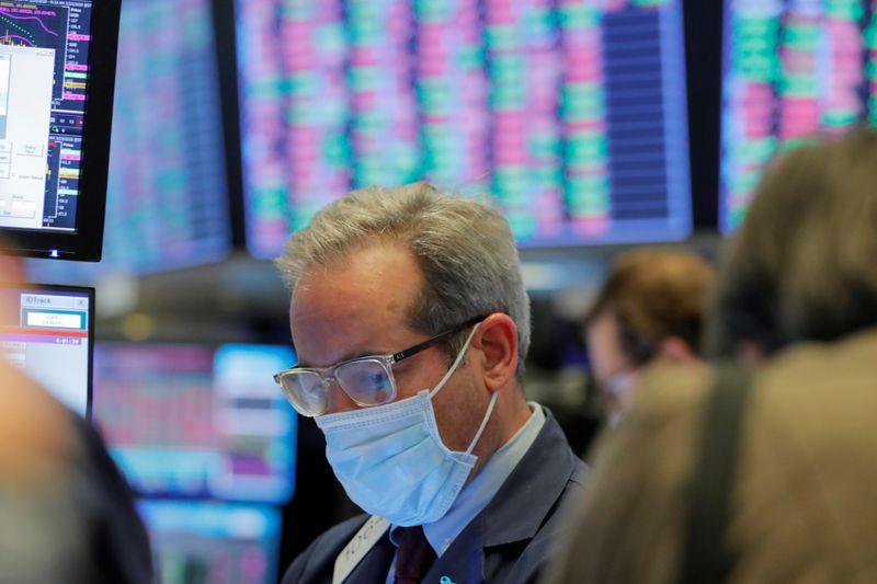 S&P 500 Slips as Lockdowns in Europe Fuel Slowdown Fears