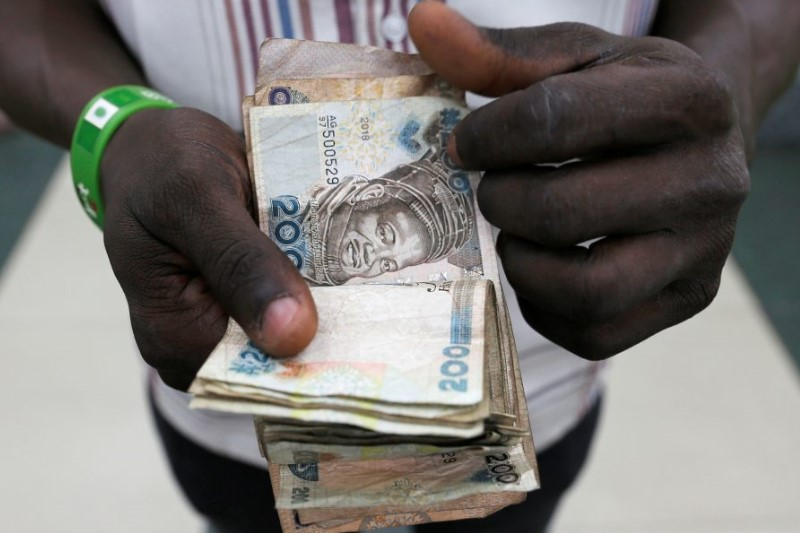 Nigeria naira trades at record low on official market after devaluation