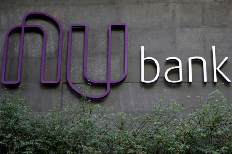 Avaliado em US$ 30 bilhões, Nubank amplia ameaça a bancos tradicionais
