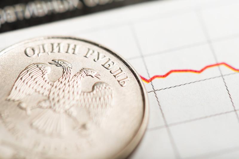 El rublo sube un 0,62 % frente al dólar y un 0,8 % frente al euro