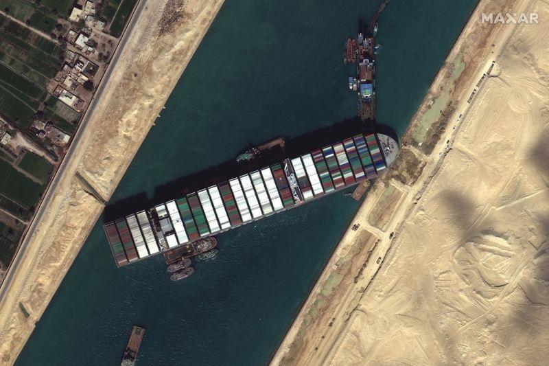 Donos de navio que bloqueou Canal de Suez fazem nova proposta de compensação