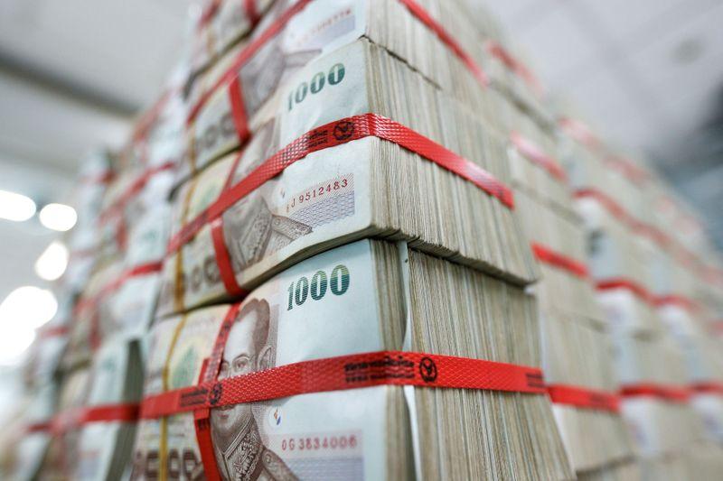 เงินบาทอ่อน เปิดตลาดเช้านี้เปิด 32.89 จับตา CPI สหรัฐคืนนี้