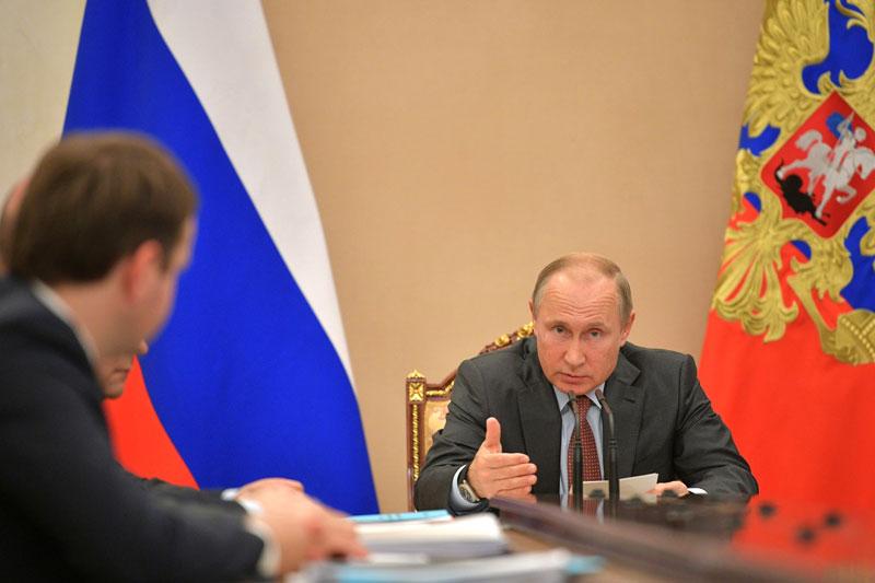 Путин заявил о необходимости защитить интересы