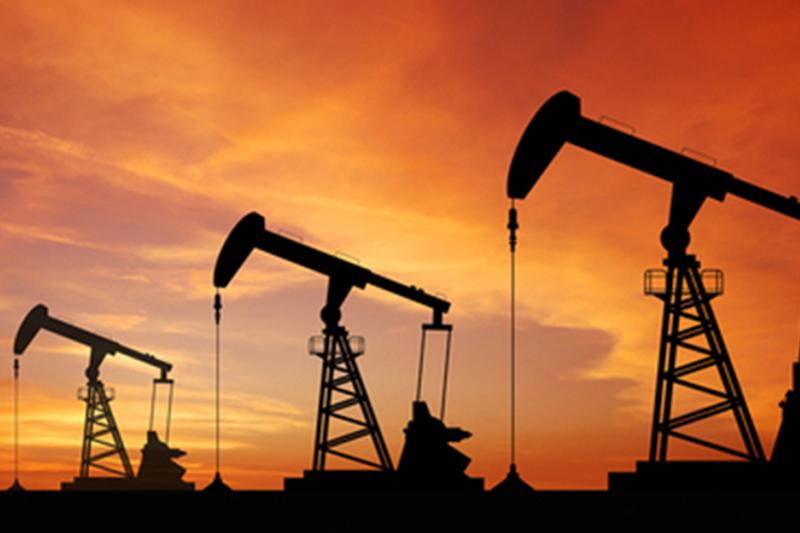 El petróleo recupera fuerzas antes del informe semanal sobre reservas