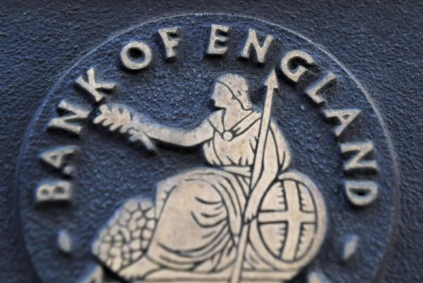 GBP falls as BoE unchanged, FTSE 100 flies above 7,100