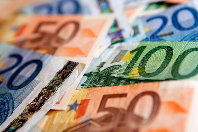 Euro, Draghi'nin açıklamalarının ardından düşüşe geçti