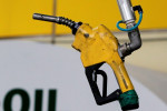Oil prices rise on expected U.S. stocks draw