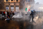 Anti-vax protesters in Rome target Draghi's office, union's headquarters