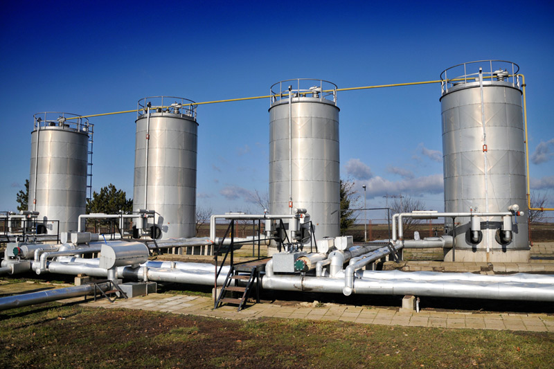 Natural gas futures tumble to 8-month low on cool summer weather