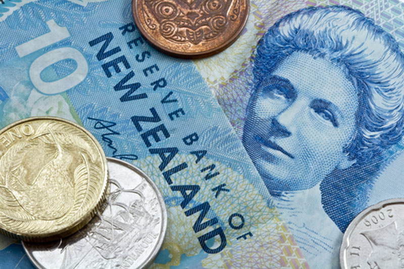 Forex - Kiwi gains despite rate cut as investors note housing pressures