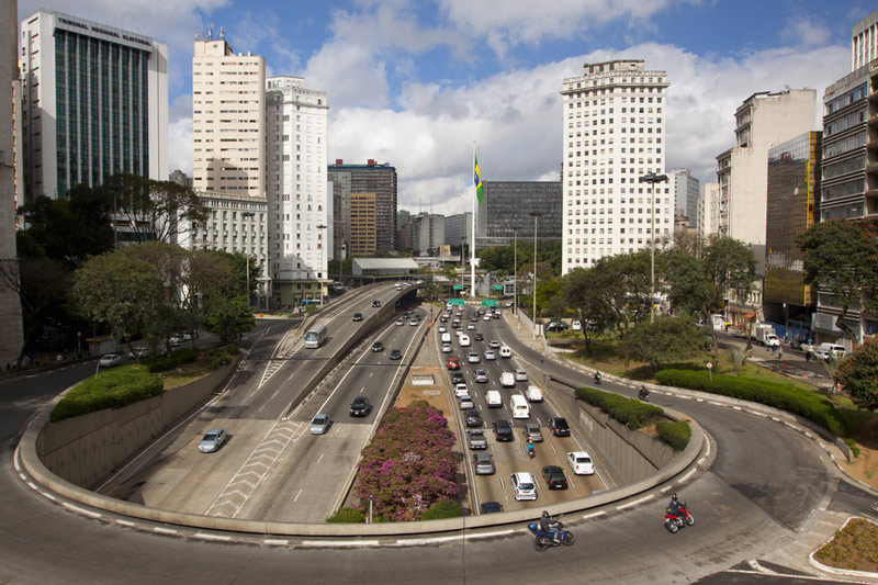São Paulo reduz ICMS para bares e restaurantes