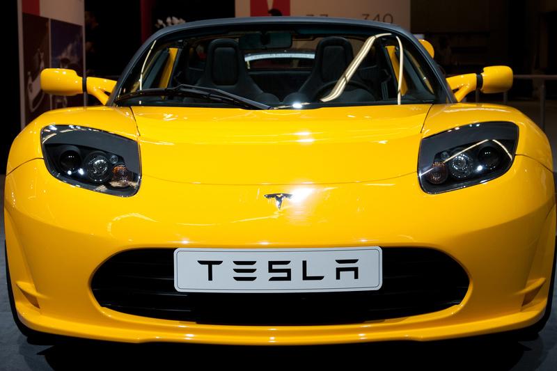Виноват биткоин: динамика акций Tesla отстала от Big Tech