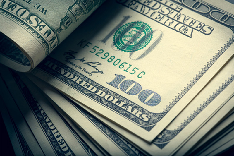 Dollar Edges Higher; Fed Minutes in Focus