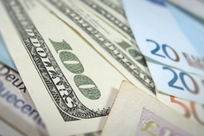 Forex - Dollar Shrugs off Upbeat U.S. Housing Data as Stronger Euro Weighs