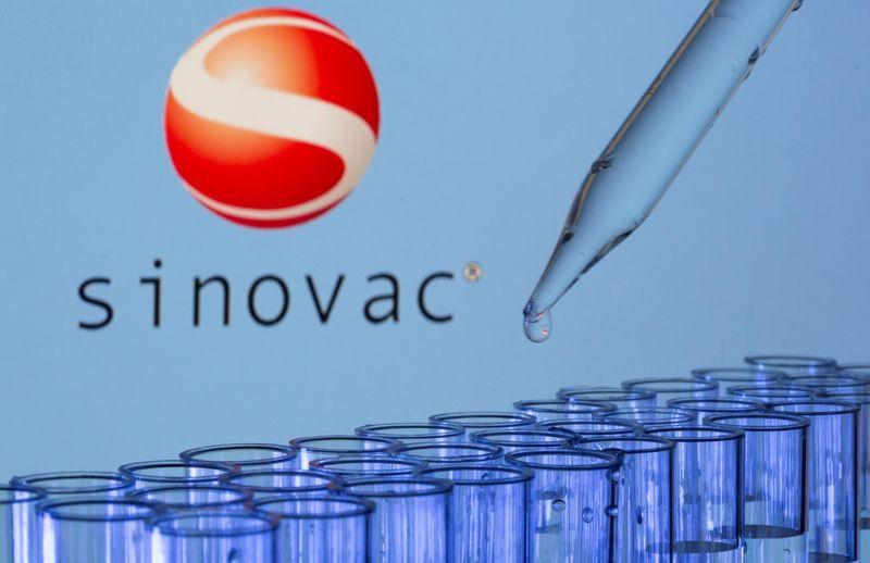 دراسة: لقاح بيونتيك ينتج أجساما مضادة أكثر من سينوفاك