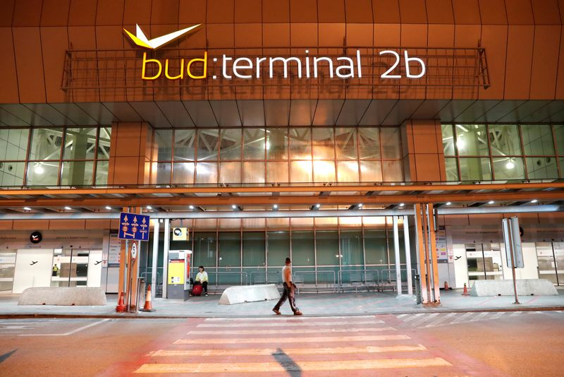 Hungary government offers to buy Budapest airport
