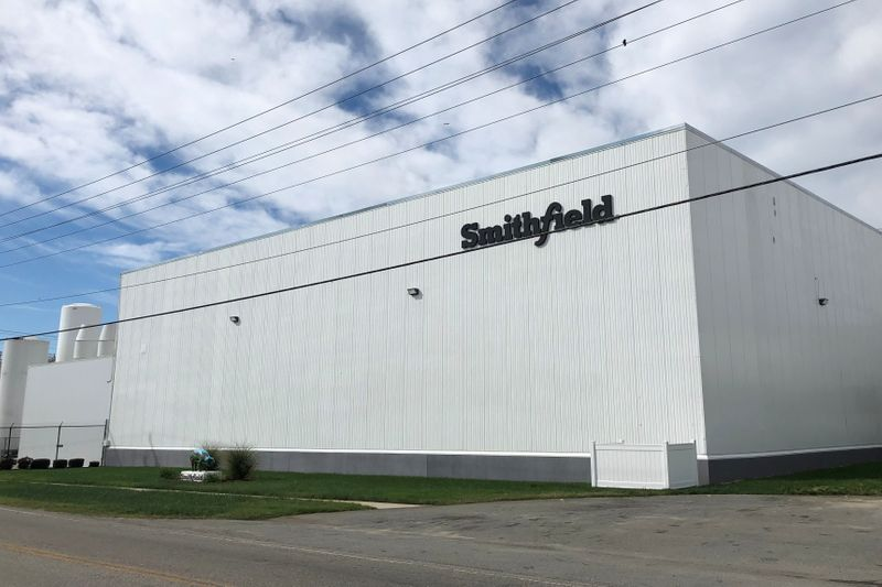 Smithfield Foods stops slaughtering pigs at U.S. hometown plant