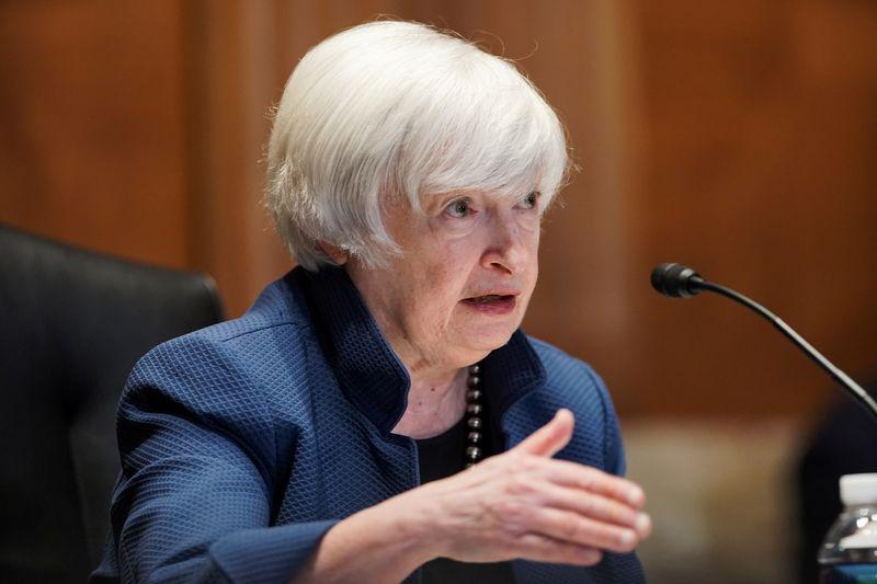 Yellen se diz preocupada com preços das moradias, mas vê como transitória alta da inflação