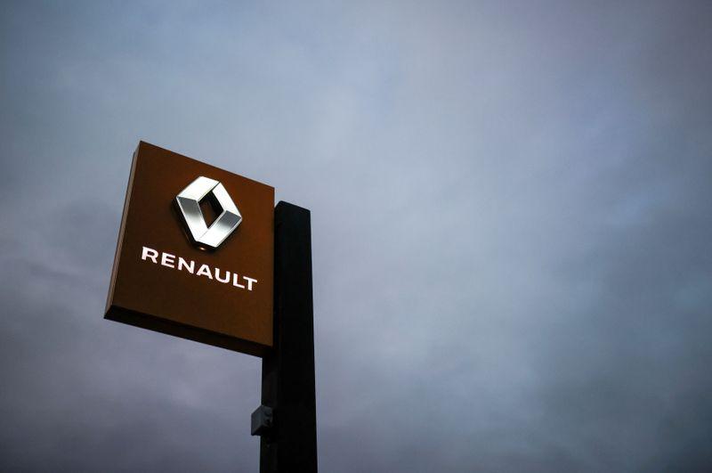 Renault vehicle sales start closing gap with 2019, Dacia shines