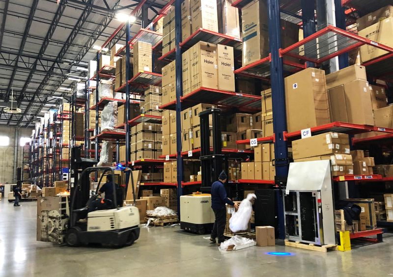 U.S. business inventories rise in May; autos stocks decline