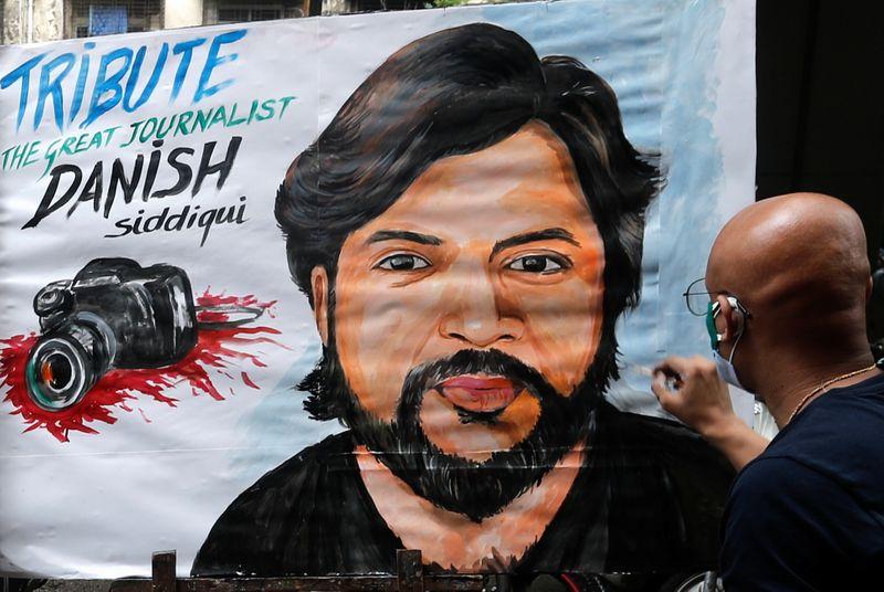 Afghanistan, giornalista Reuters ucciso durante scontro tra forze di sicurezza e talebani