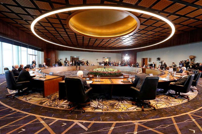 Líderes da Apec prometem redobrar luta contra pandemia em reunião especial