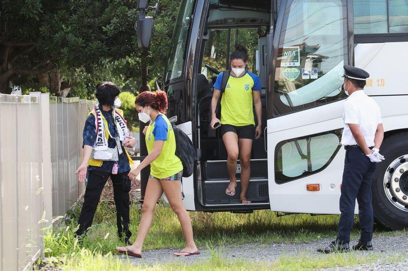Surtos de Covid-19 em hotéis olímpicos causam frustração e medo de contágio