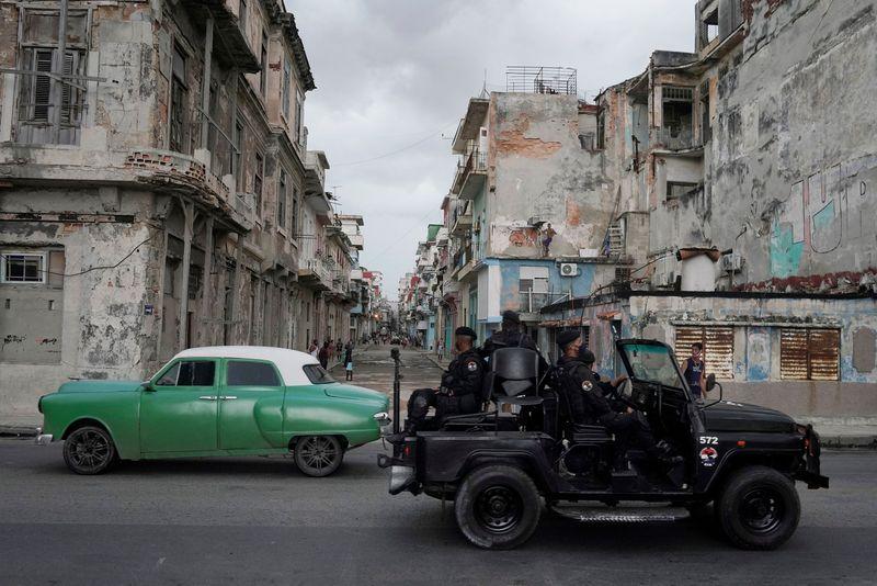 Notícias falsas estimulam caos nas redes sociais em Cuba em meio a protestos