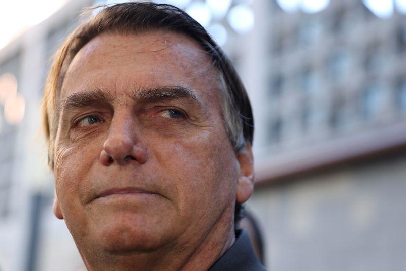 Bolsonaro deixa hospital e diz que estará no Palácio do Planalto na segunda-feira