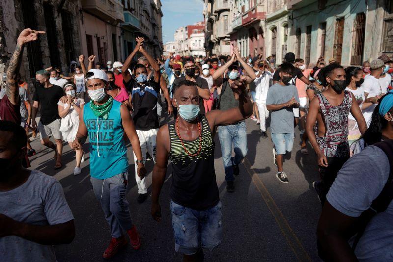Embalados por protestos, sites de oposição provocam governo cubano