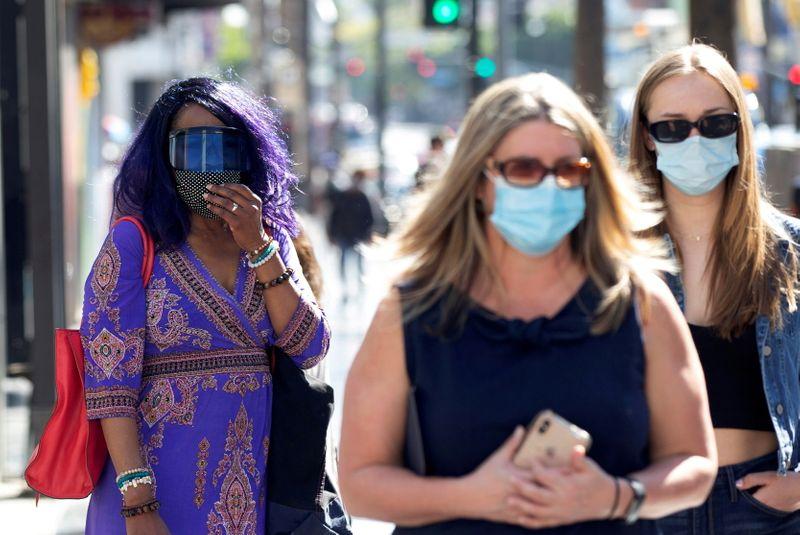 Casos de coronavírus nos EUA sobem e alimentam temores de novo pico