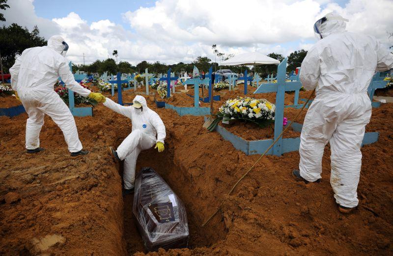 Brasil registra 15.271 novos casos e mais 542 mortes por Covid em 24 horas
