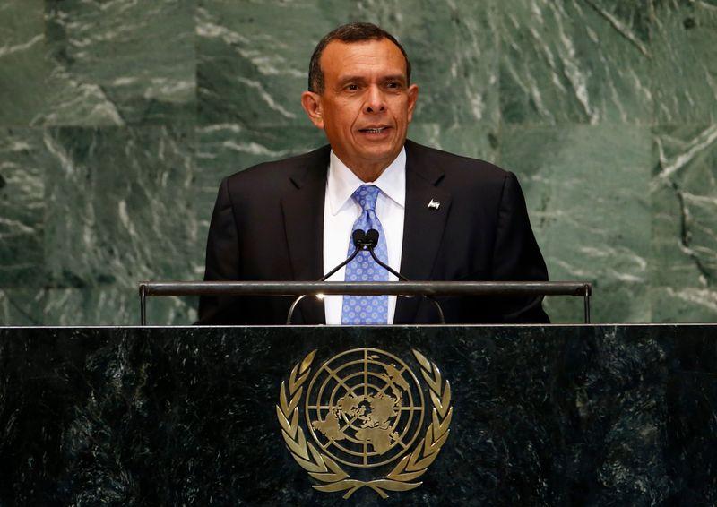 EEUU prohíbe ingreso a expresidente hondureño Lobo por acusaciones de corrupción