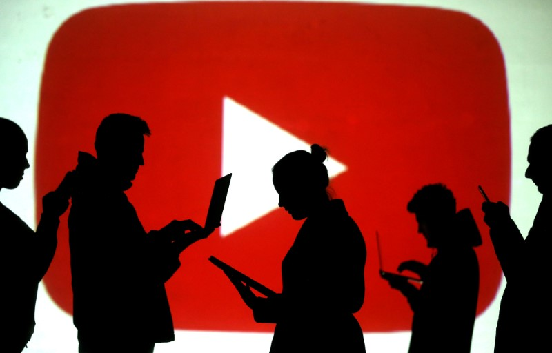 YouTube adds money-making feature to attract creators