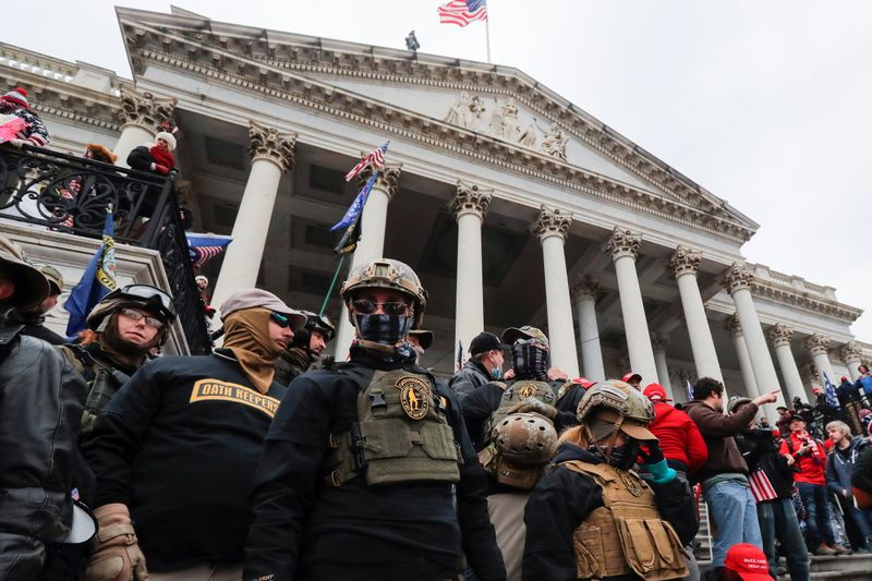 Man linked to Oath Keepers admits joining U.S. Capitol attack