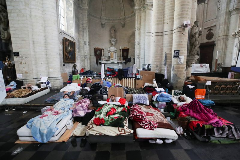 Migrants' hunger strike puts Belgian government in danger