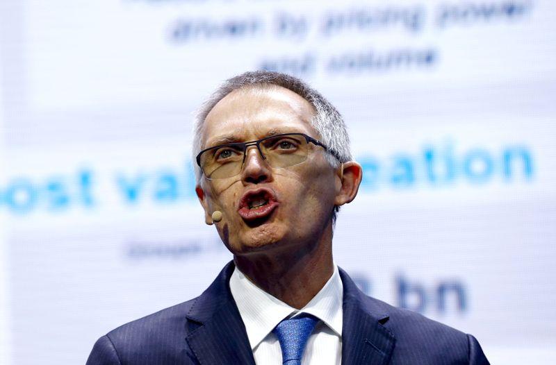 Stellantis, carenza globale chip proseguirà nel 2022 - Tavares (Ceo)