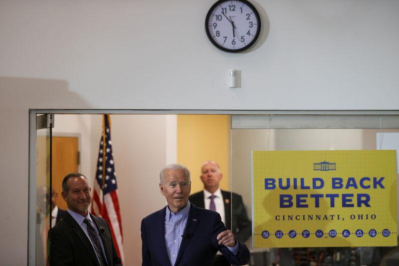 Biden in Trump-supporting Ohio to tout vaccines, infrastructure spending