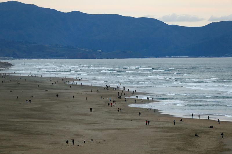 アングル:海面上昇のリスク、「計画的撤退」を検討する米加州