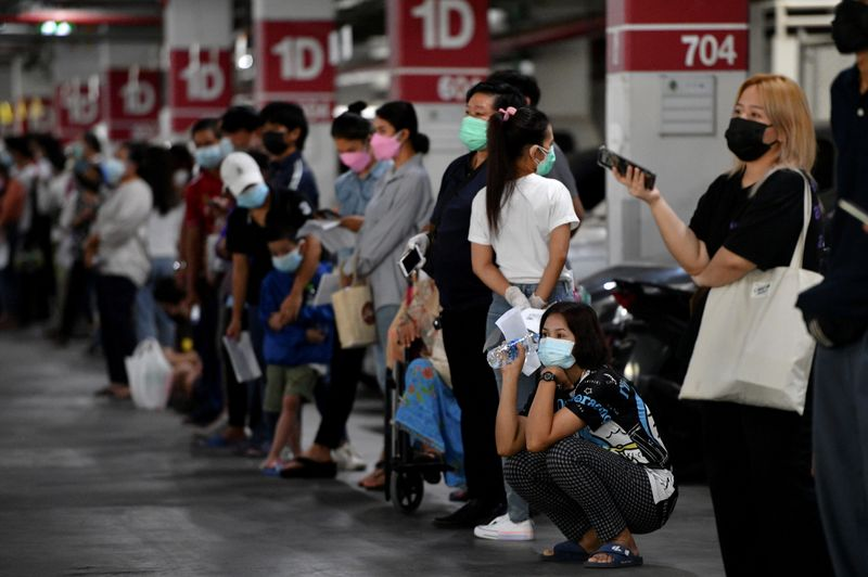 تايلاند تسجل رقما قياسيا لإصابات كورونا بلغ 13655