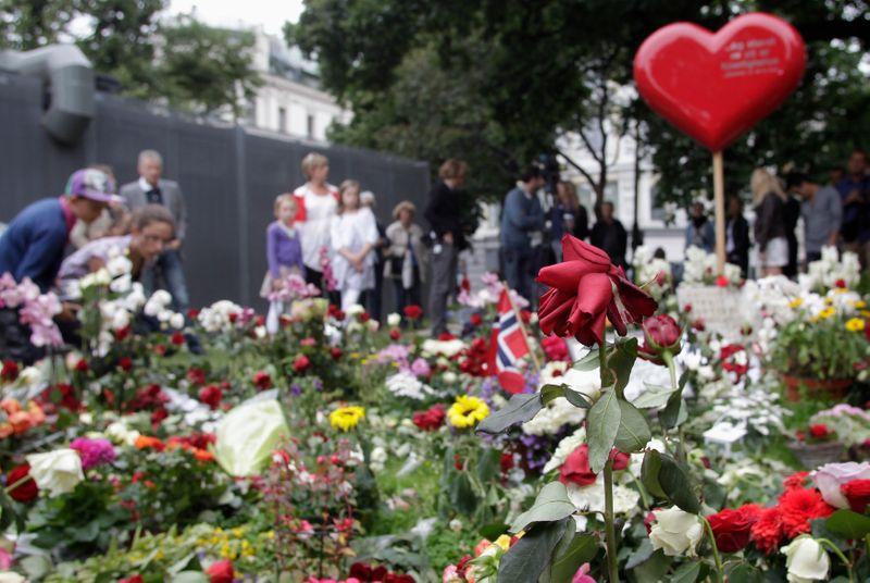 La Norvège commémore les 10 ans des attentats à Oslo et Utoya