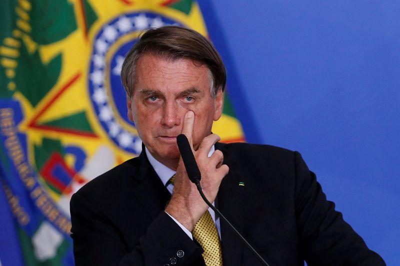 Coronavirus: YouTube retire des vidéos de Bolsonaro pour désinformation