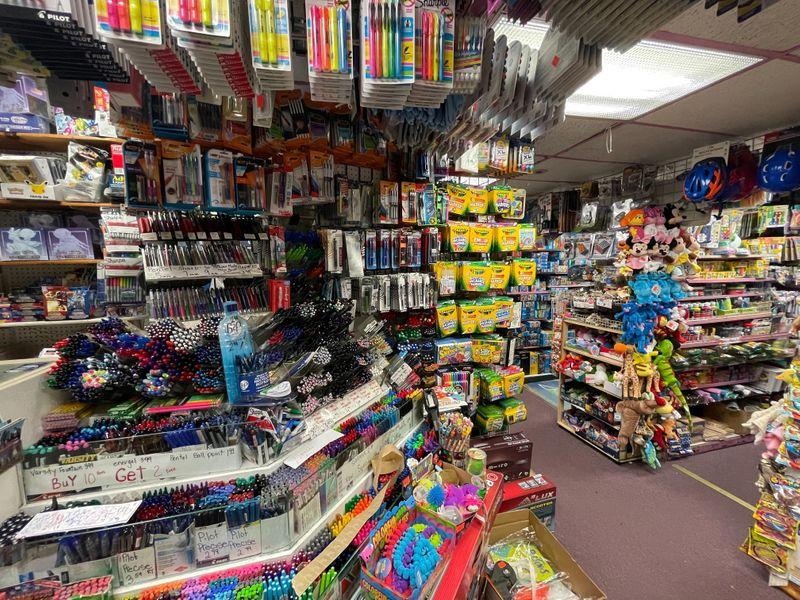 U.S. retailers scramble to stock shelves as kids head back to school