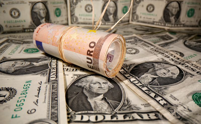 NY外為市場=不安定な展開、ドル小幅高 ユーロは下落