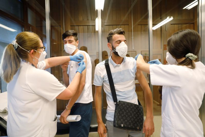 Vaccinations slowing spread of COVID-19 cases in Spain - minister