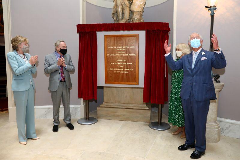 Andrew Lloyd Webber opens Drury Lane theatre after $80-million revamp